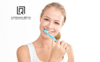 Dicas para Higienizar o seu Implante Dentário – Dra. Leidiana Rêgo – Clínica Odontológica Dentista Manaus