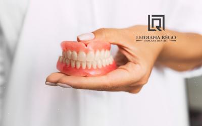 Você tem vergonha de usar Dentadura? – Dra. Leidiana Rêgo – Clínica Odontológica Dentista Manaus